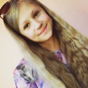 Адамовська Анастасія - член Pади школи, учениця 9 класу