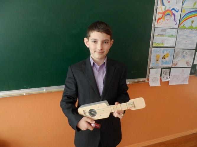 Учні школи активно долучились до збереження планети Земля
