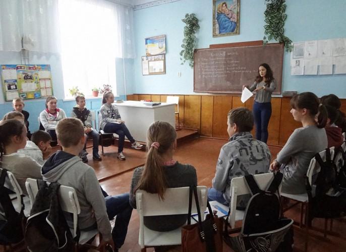 дебати в 7А класі ( модератор учениця 11 класу Наталія Гарасівка)