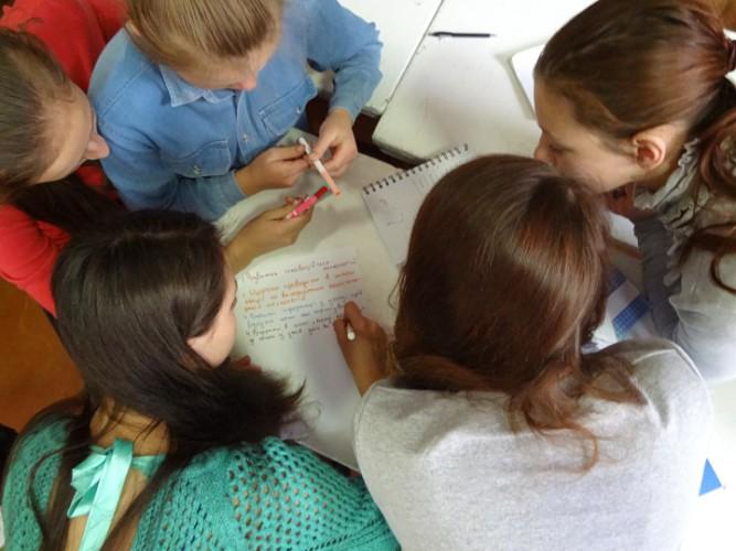 дебати в 9-Б класі (керівник Ольга Гунько)