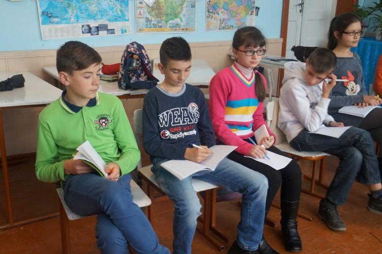 Класні дебати в 8-Б класі (Керівник Гарасівка Галина, модератори Шевчик О. та Гарасівка Н.
